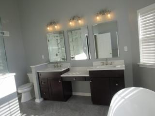 Bathrooms 8